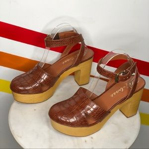 NEW Matisse leather sunset heeled clogs